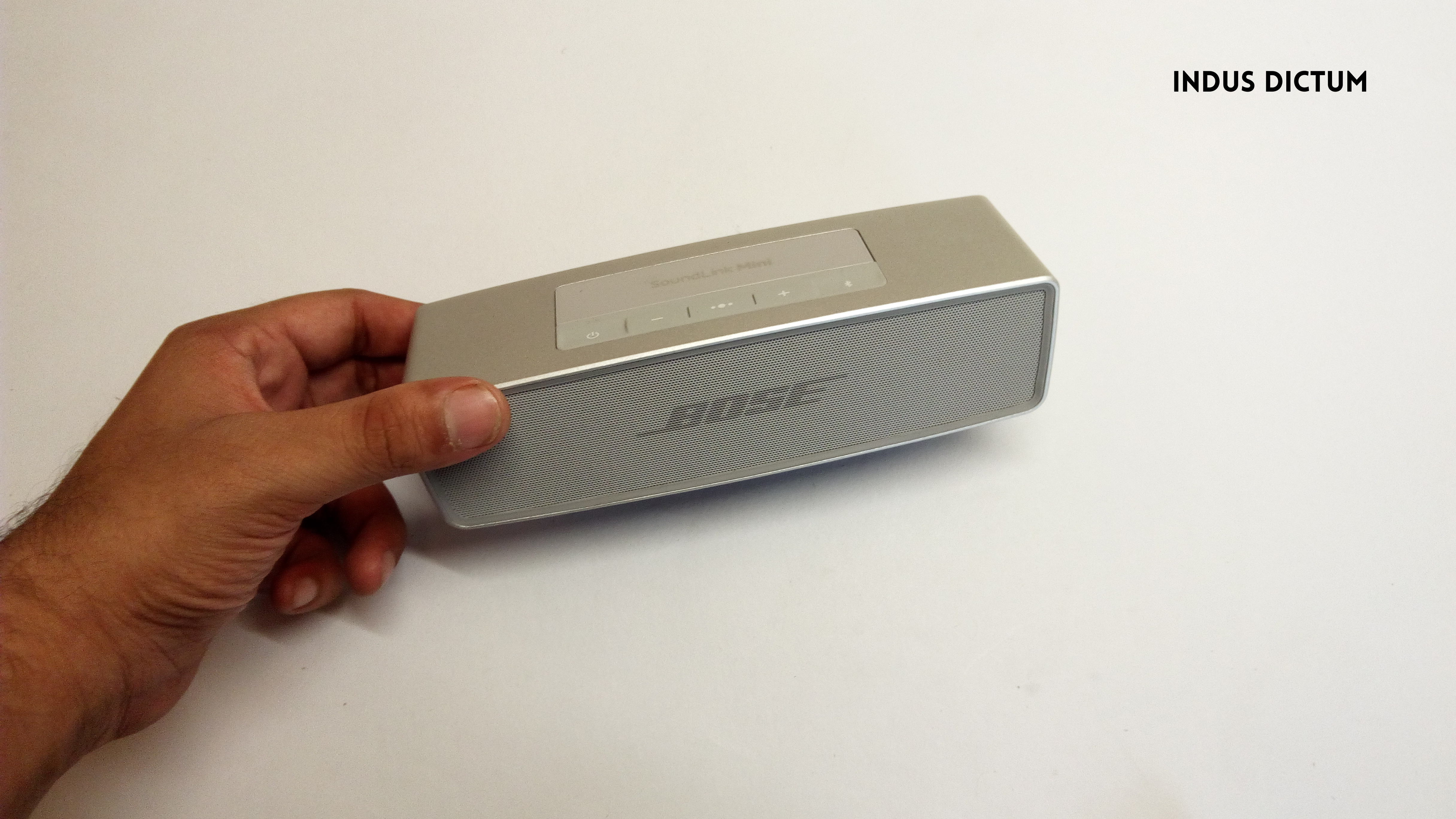 bose soundlink mini hand size watermark.png